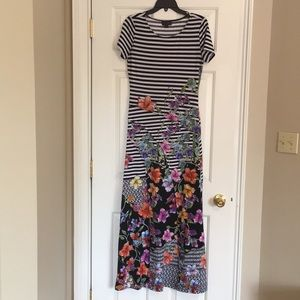 Striped/floral maxi dress Size Small